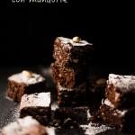 Brownies al cioccolato fondente con le mandorle
