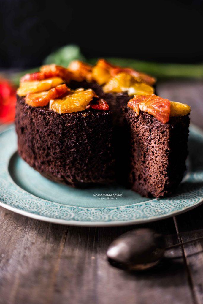 Fluffosa al cioccolato profumata all'arancia speziata